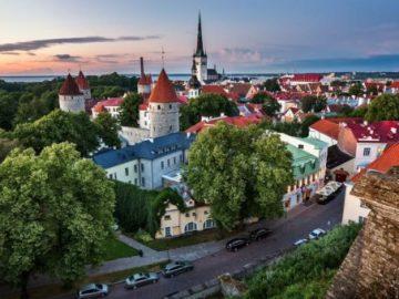 tallinn-estonia-old-town-road-houses-1080p-wallpaper-middle-size